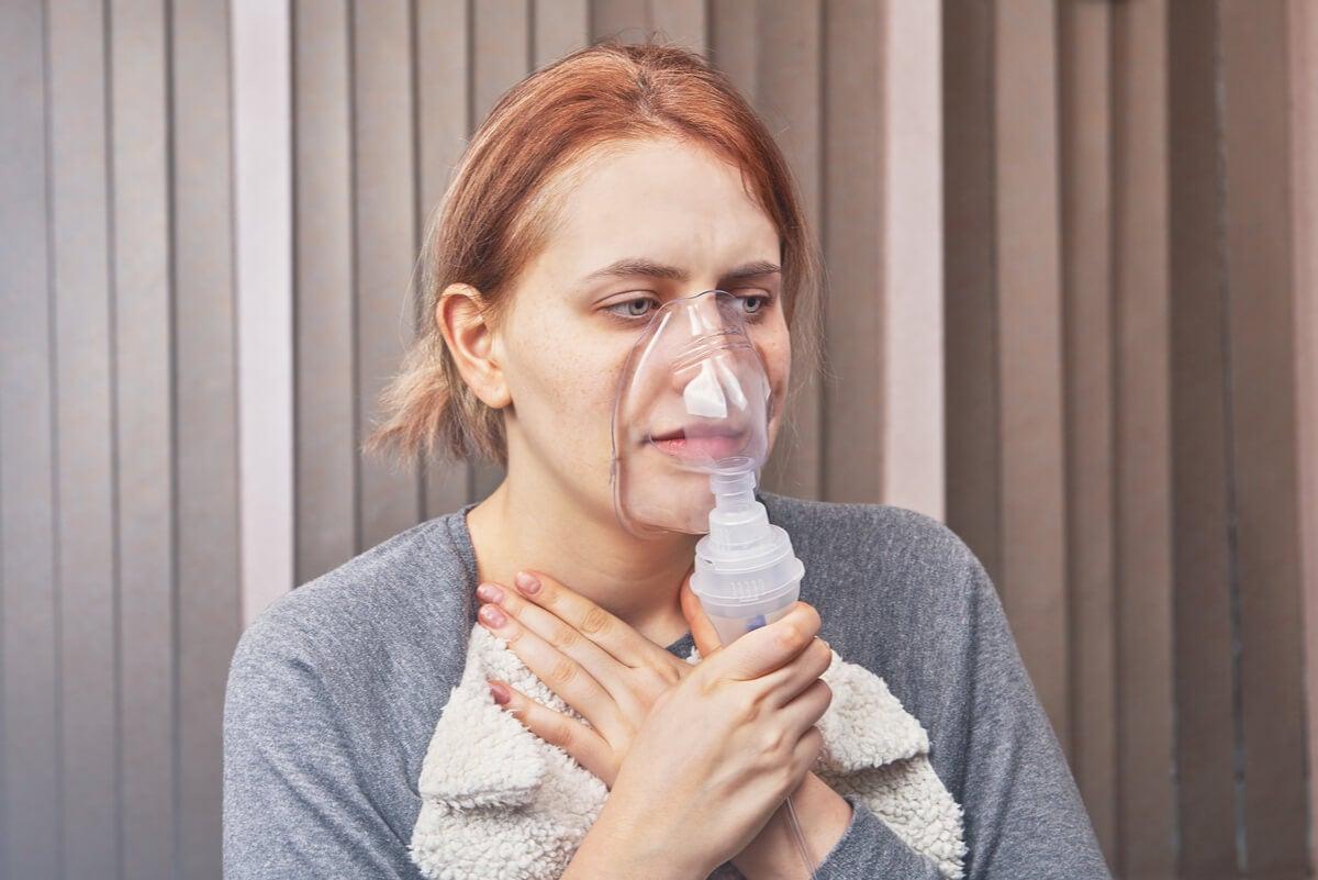 Nebulización para tratar la taquipnea.