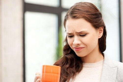 Sensación amarga en la boca: ¿qué lo está causando?
