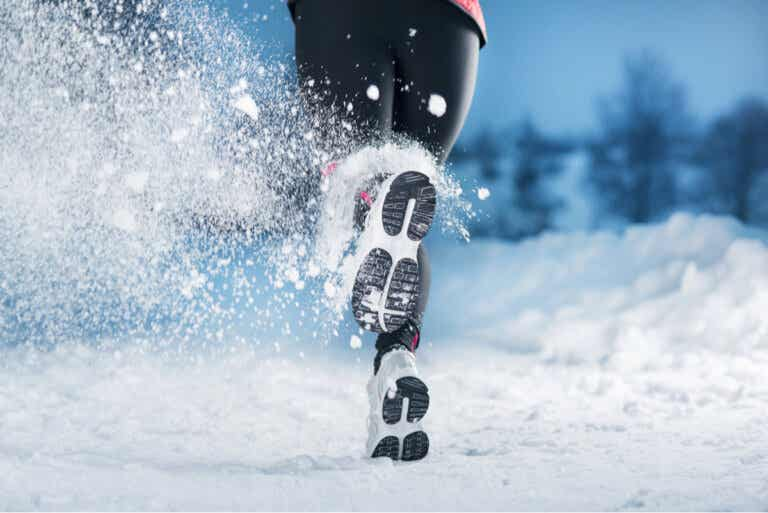 Salir a trotar durante el invierno: beneficios y recomendaciones