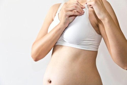 ¿Es recomendable usar un sostén de maternidad?