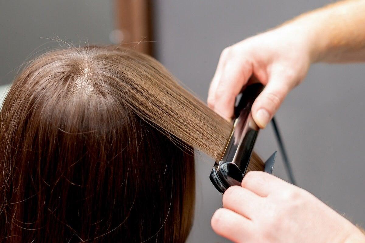 Errores frecuentes al plancharse el cabello