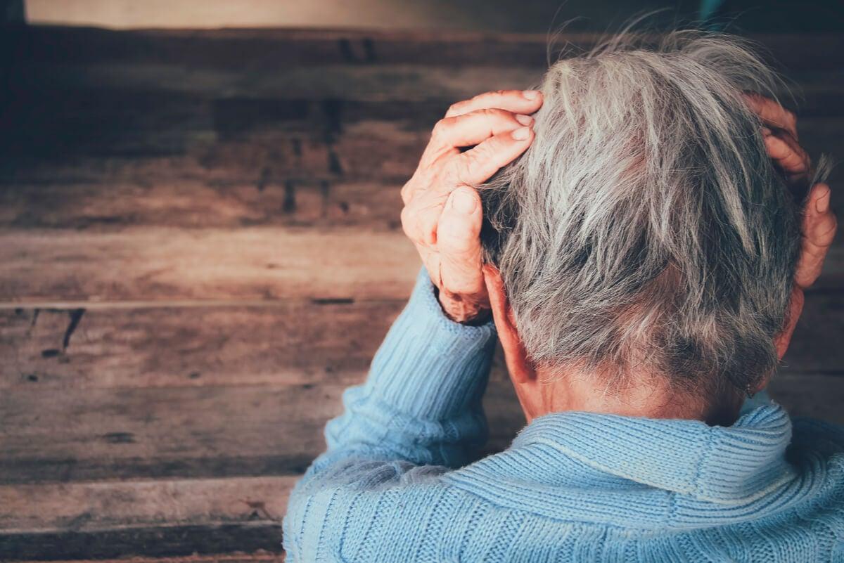 Demencia senil en adulto mayor.