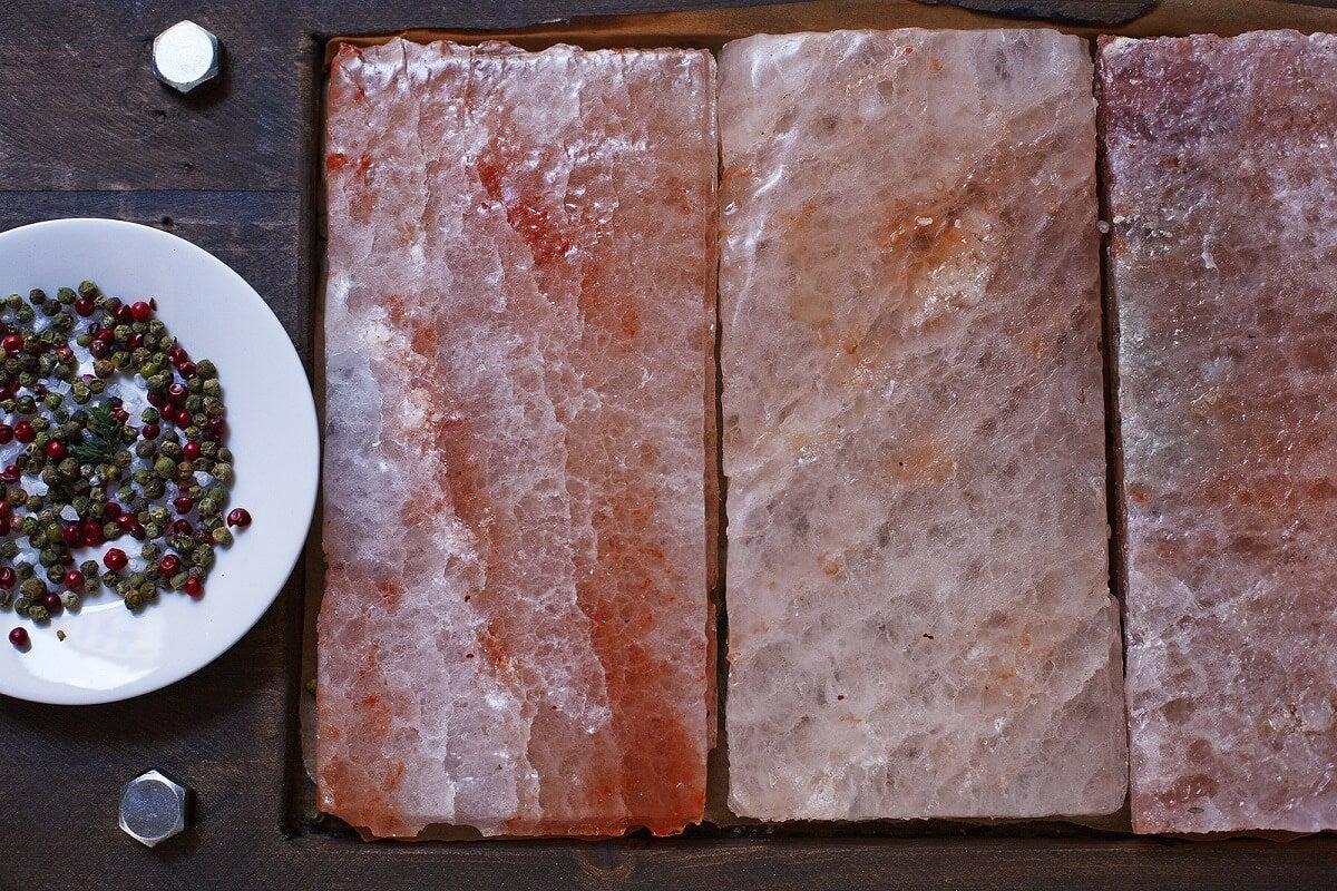 Beneficios de cocinar con el bloque de sal del Himalaya