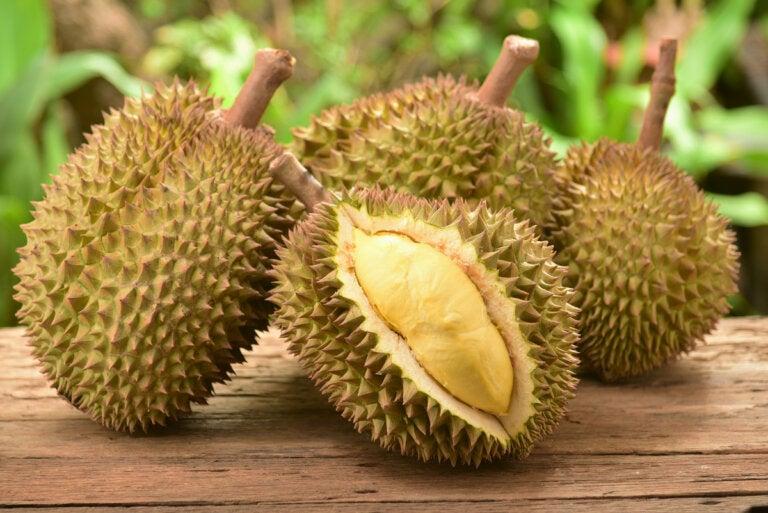 Durian: ¿qué beneficios tiene comer la fruta más apestosa del mundo?