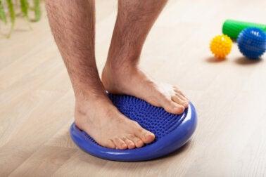 Ejercicios para ayudar a corregir el pie plano