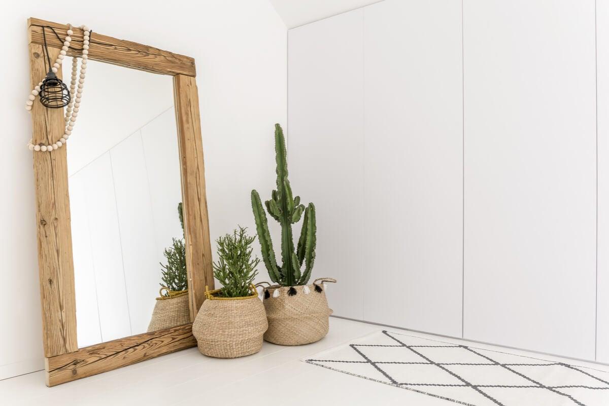 Espejos para decorar pasillos largos.