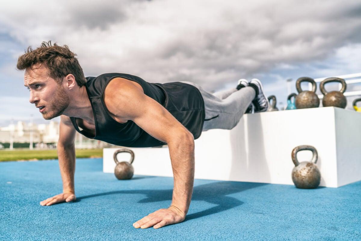 8 tipos de flexiones para variar nuestra rutina de ejercicio