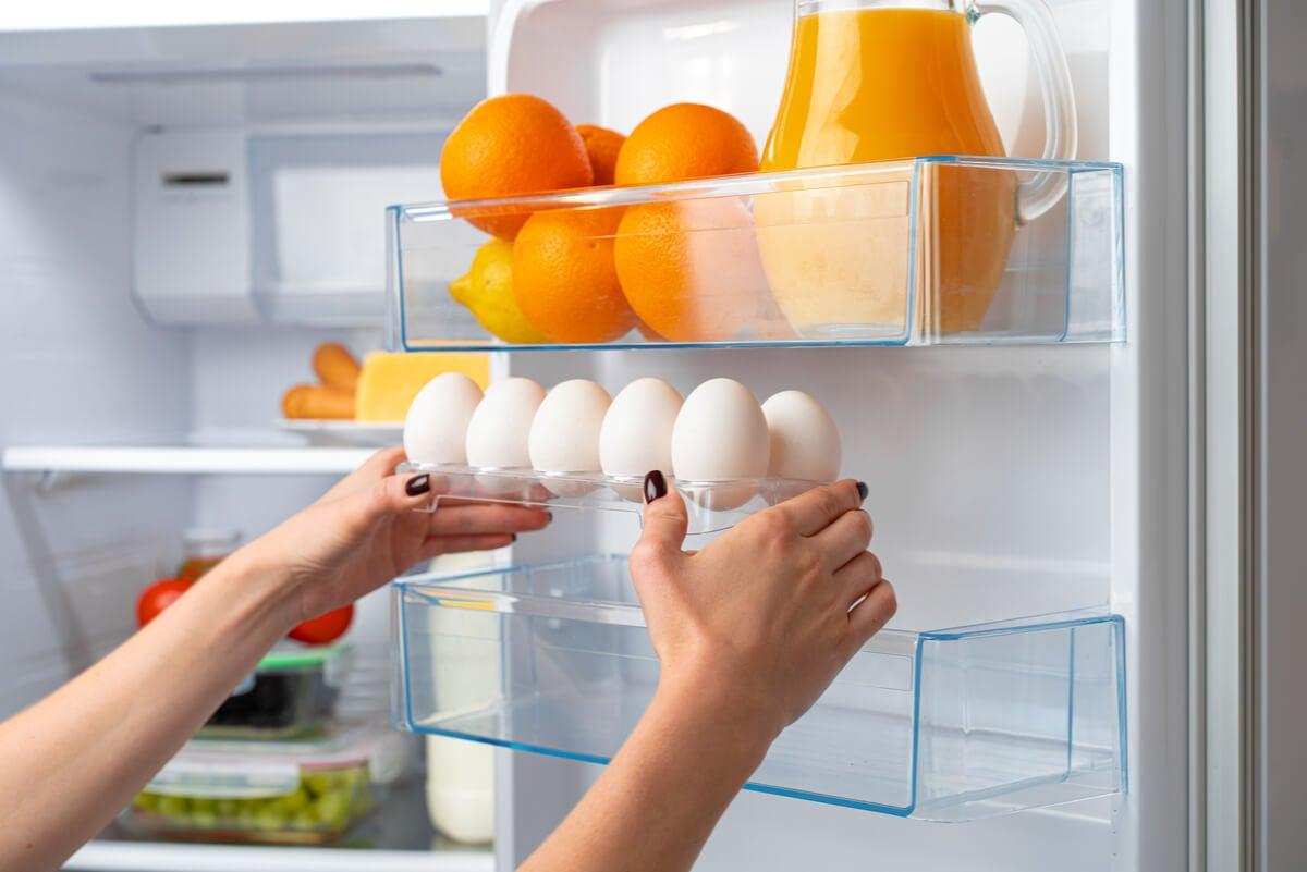 Descongelar los huevos para utilizar.
