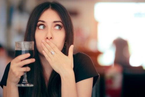 Eructos de azufre: qué es y cómo prevenirlos