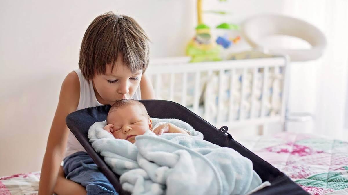 Consejos para enseñar a tu hijo a ser buen hermano.