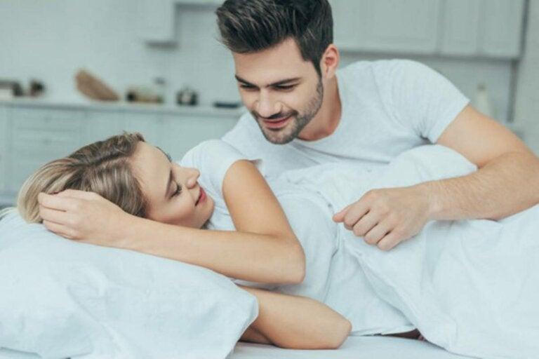 6 beneficios de dormir con tu pareja
