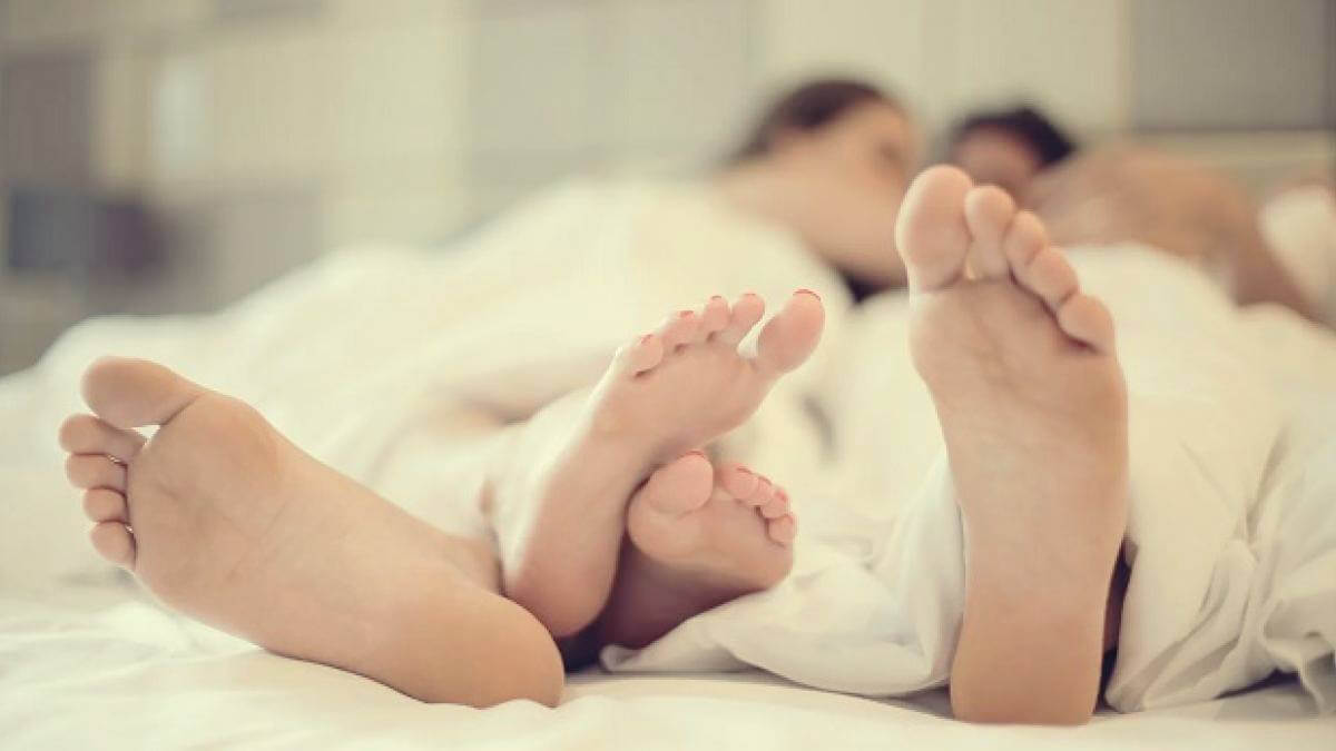 Beneficios de dormir con tu pareja.