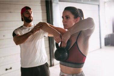Tirón alto, ¿qué músculos ejercita y cómo hacerlo correctamente?