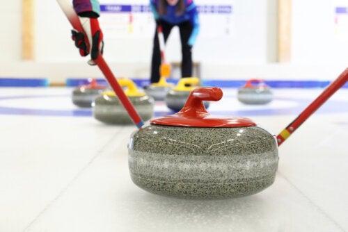 Curling: lo que debes saber sobre este deporte invernal