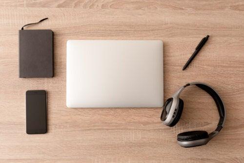¿Cómo crear un espacio minimalista para teletrabajar en casa?