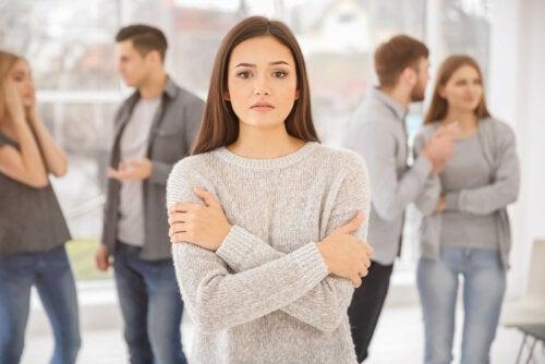 ¿Cómo tratar la fobia social?