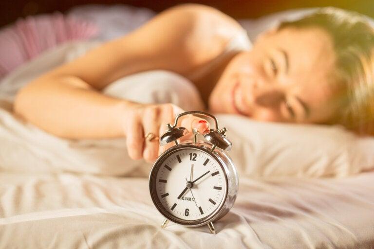Cómo acostumbrar el cuerpo a levantarse temprano