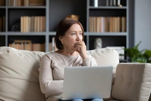 Personas que se preocupan demasiado: 6 características que las definen