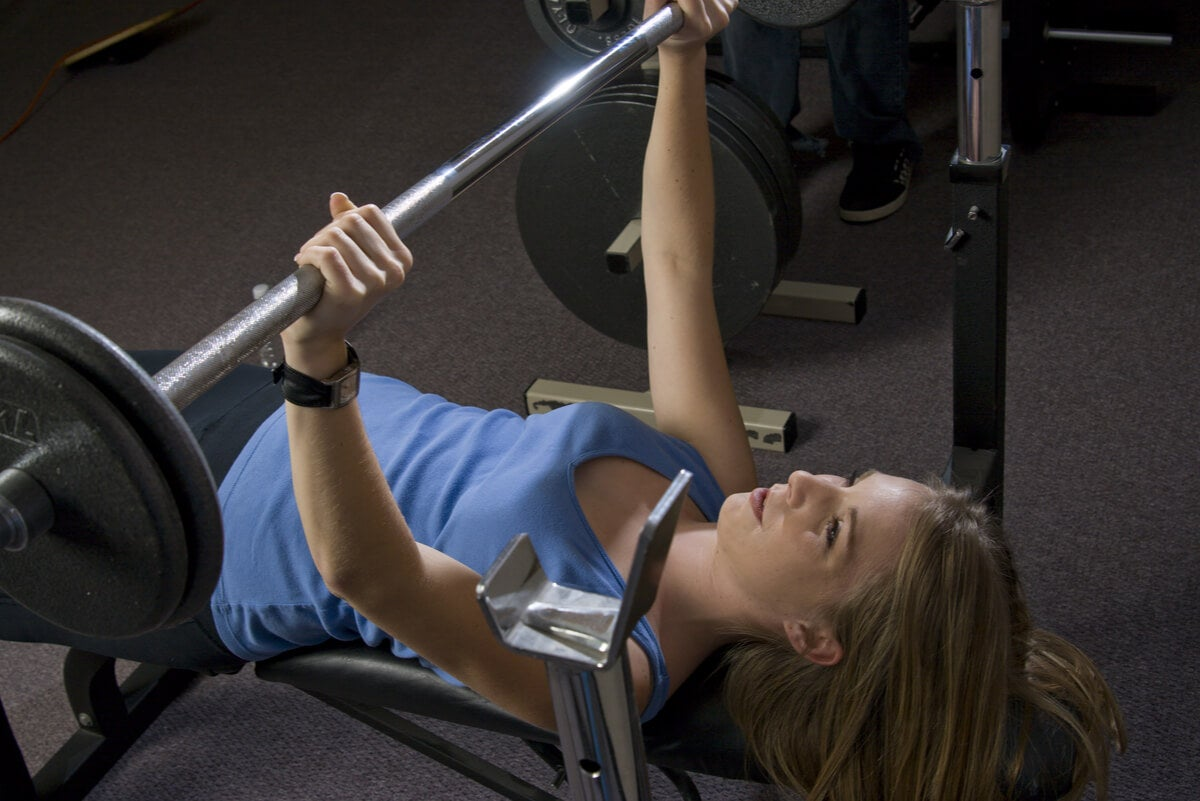 ¿Qué músculos trabajan los ejercicios de cadena cinética?