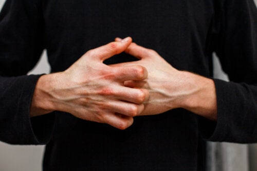 Enfermedad vascular del colágeno: síntomas y tratamiento