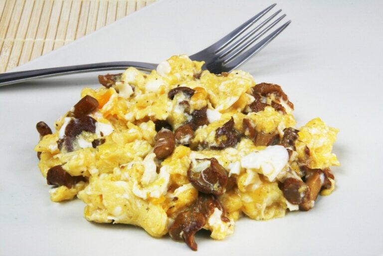 Receta de revuelto de champiñones y huevo