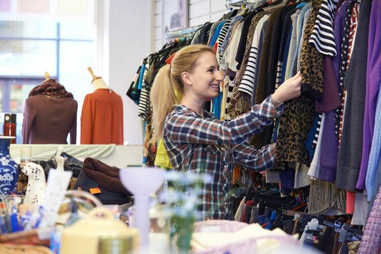6 consejos para acertar al comprar ropa de segunda mano