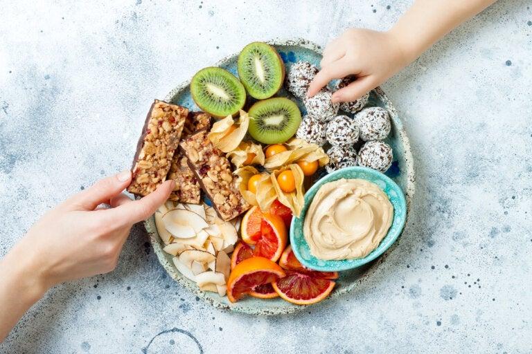 ¿Los niños pueden seguir una dieta paleo?