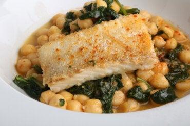 Garbanzos con bacalao: receta fácil y deliciosa