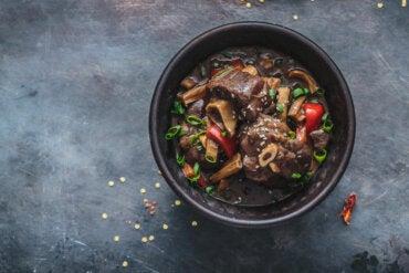 Carne de cordero: valores nutricionales, beneficios y contraindicaciones