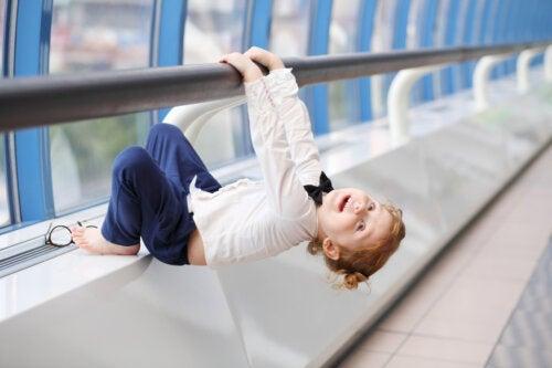 Juegos y ejercicios para fortalecer los brazos de los niños