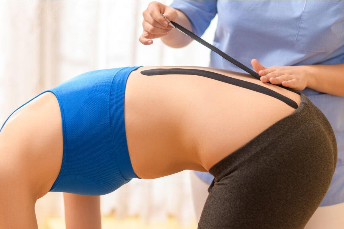 Kinesiotaping para mejorar la postura.