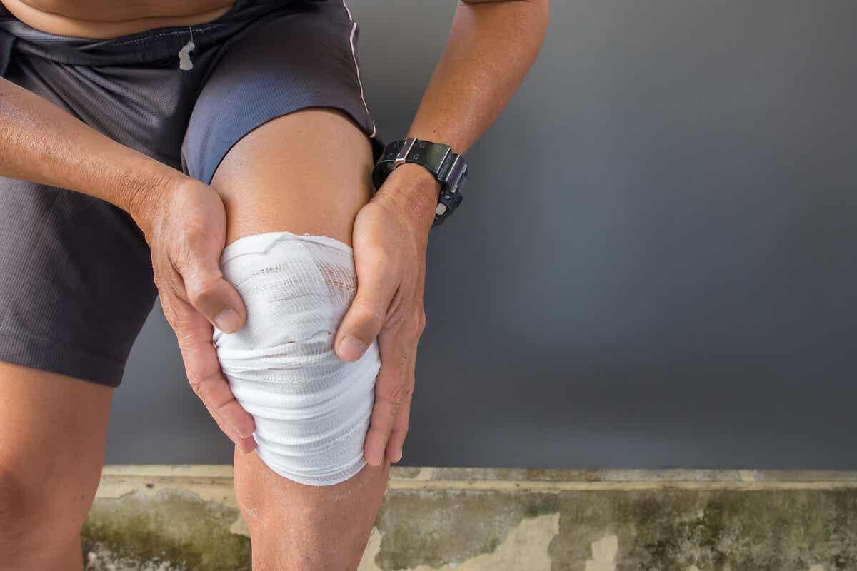 Lesión en la rodilla que será tratada con infiltración.