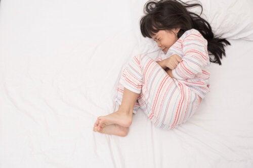 Migraña abdominal en niños: causas, síntomas y tratamientos