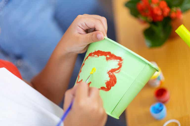 7 ideas para decorar macetas con pintura