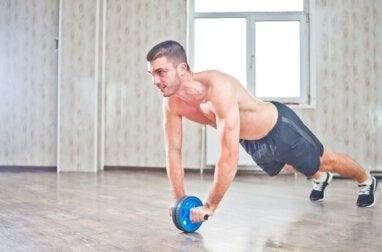 Rueda abdominal: beneficios y ejercicios recomendados