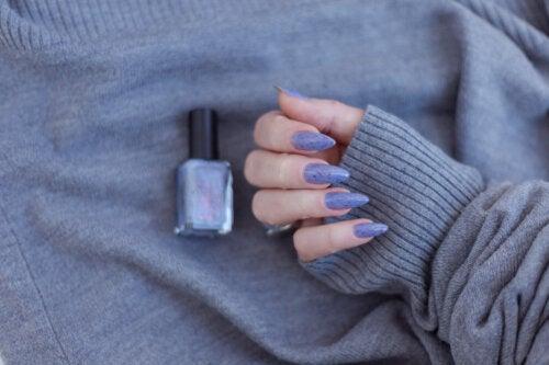10 tipos de formas y estilos que le puedes dar a tus uñas