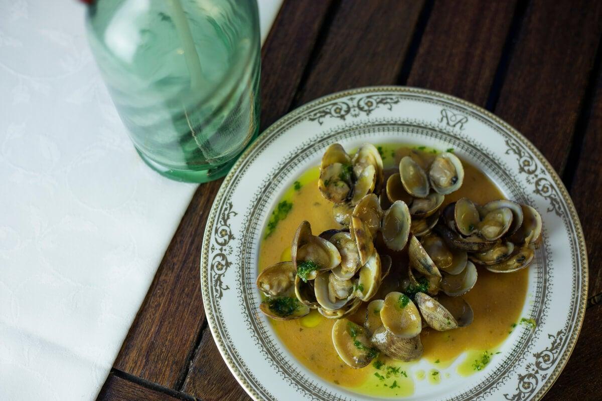 Almejas con perejil: receta sencilla y sana