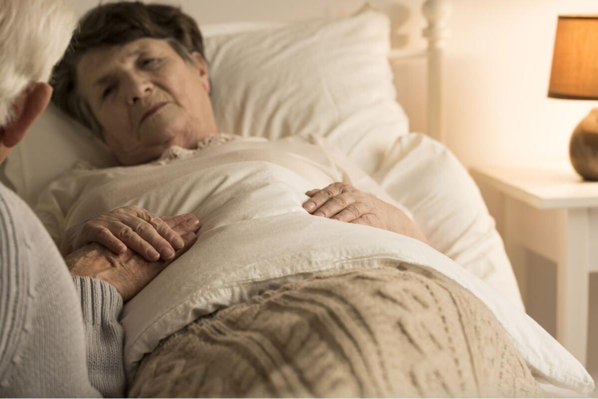 Alucinaciones nocturnas en ancianos: ¿por qué ocurren y cómo afrontarlas?