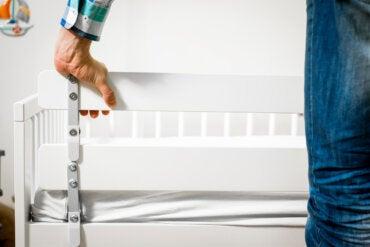 ¿Cómo debe ser la barrera de cama para tu hijo?