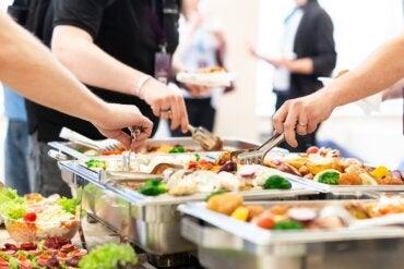 Efecto buffet: ¿en qué consiste y cuáles son sus consecuencias?