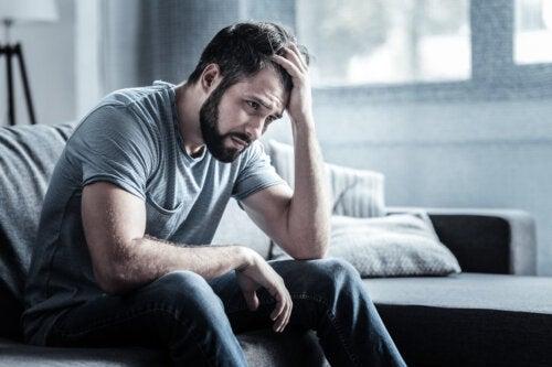 Neurosis depresiva: síntomas, causas y tratamiento