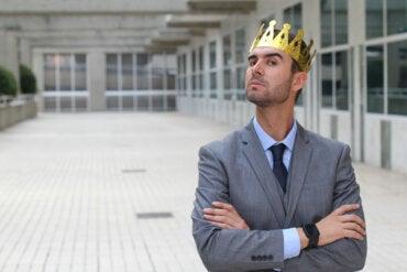 Complejo de superioridad: características y cómo superarlo