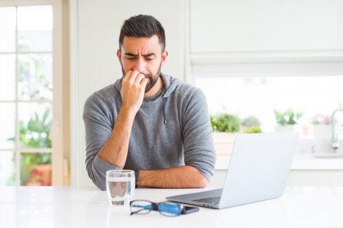 Dermatofagia: síntomas, causas y tratamiento