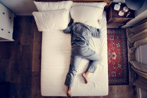 7 consejos para mejorar la acústica de una habitación