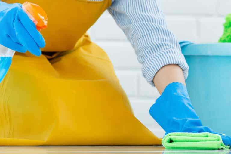 9 errores que cometes al limpiar con lejía