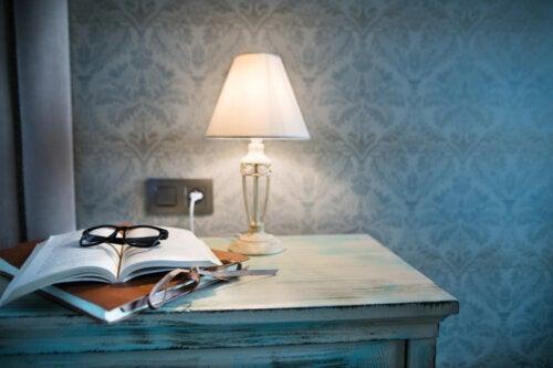 10 cosas que debes tener en tu mesa de noche