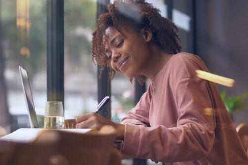 Lettering: ¿qué es y qué beneficios aporta?
