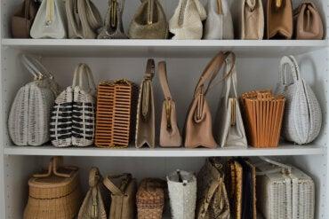 5 soluciones para ordenar los bolsos y zapatos