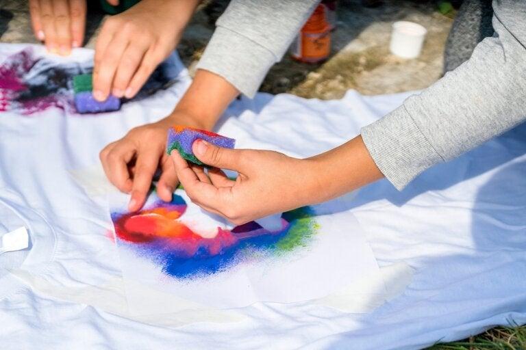 Pintar sobre tela: cómo hacerlo y algunos consejos