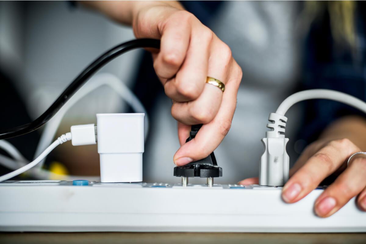 Extensión eléctrica para cables.